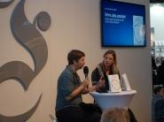Jenny Erpenbeck (l.) auf der Frankfurter Buchmesse 2015.