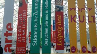Leipziger Buchmesse lbm18 pdlbm18 Buecherherbst Buecherblog Flaggen Messehalle